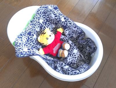 ベビーバス一人で赤ちゃんをお風呂に入れる