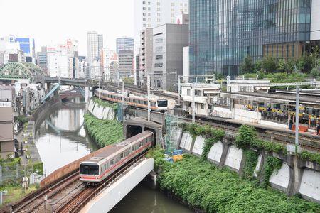 御茶ノ水駅を聖橋から3路線