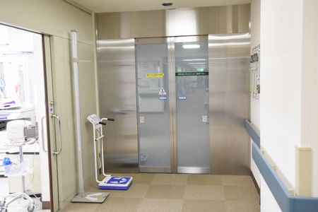 東都文京病院新生児室入口