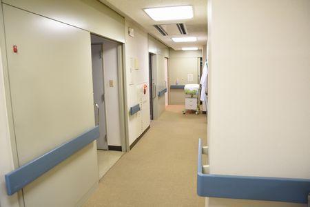 東都文京病院分娩室への廊下