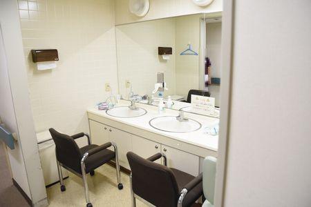 東都文京病院病棟の洗面台