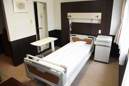 東都文京病院産後ケア用病室のベッド